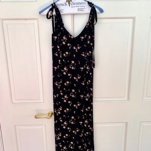 Reformation size XS midi dress ties on shoulders